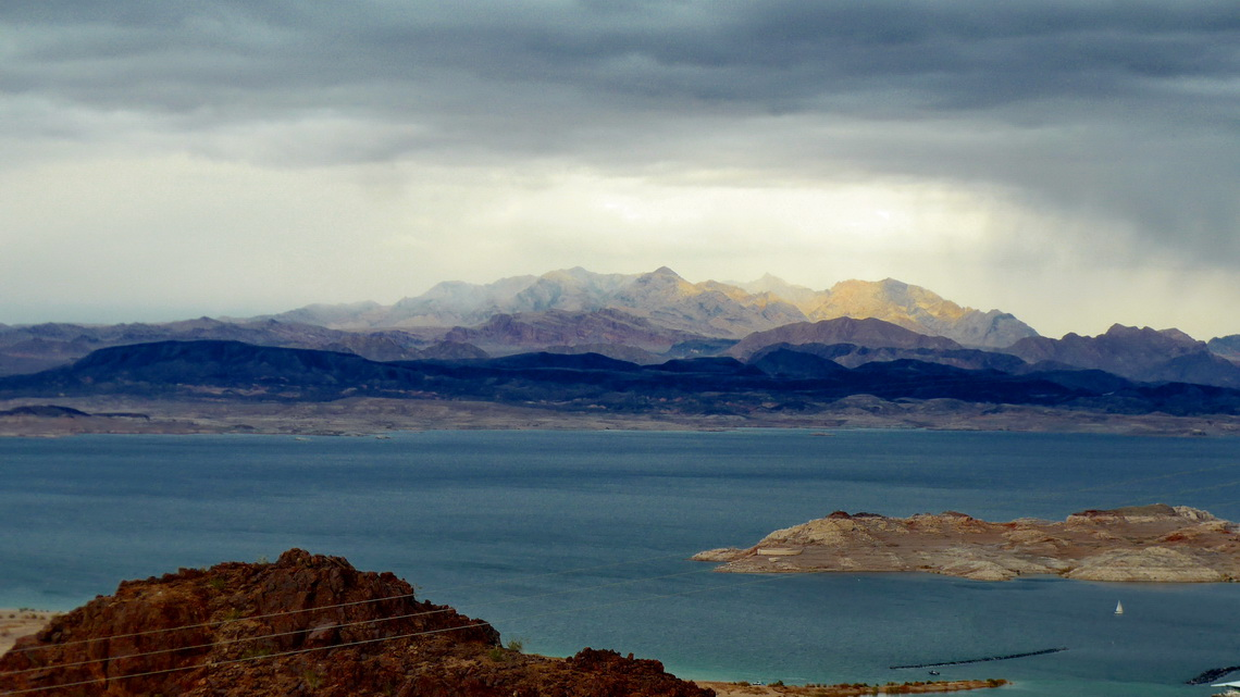 Lake Mead and Muddy Mountains seen from the Railroad Tunnel Trail