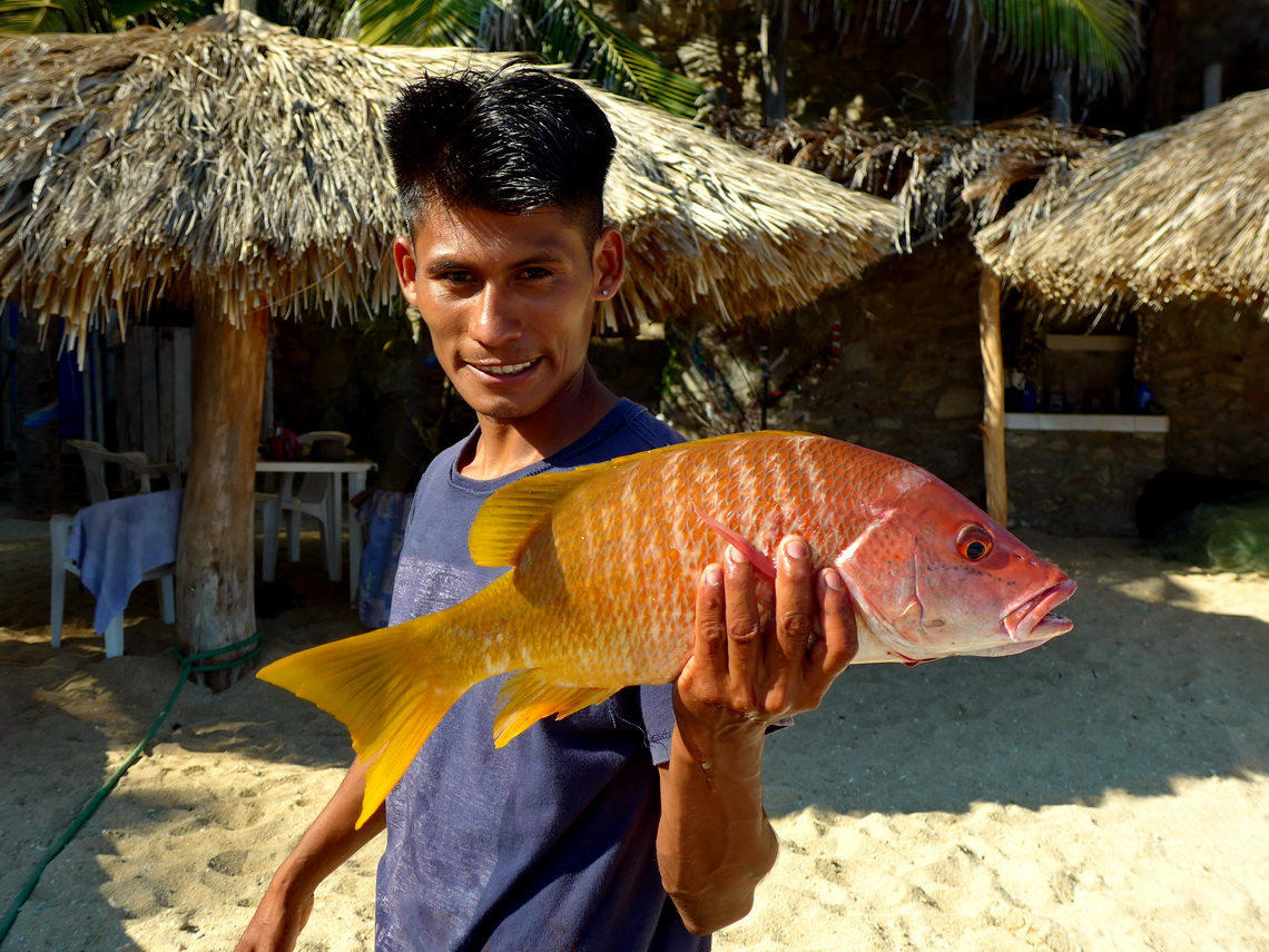 Big fish of Playa Estacahuite with its proud fisherman