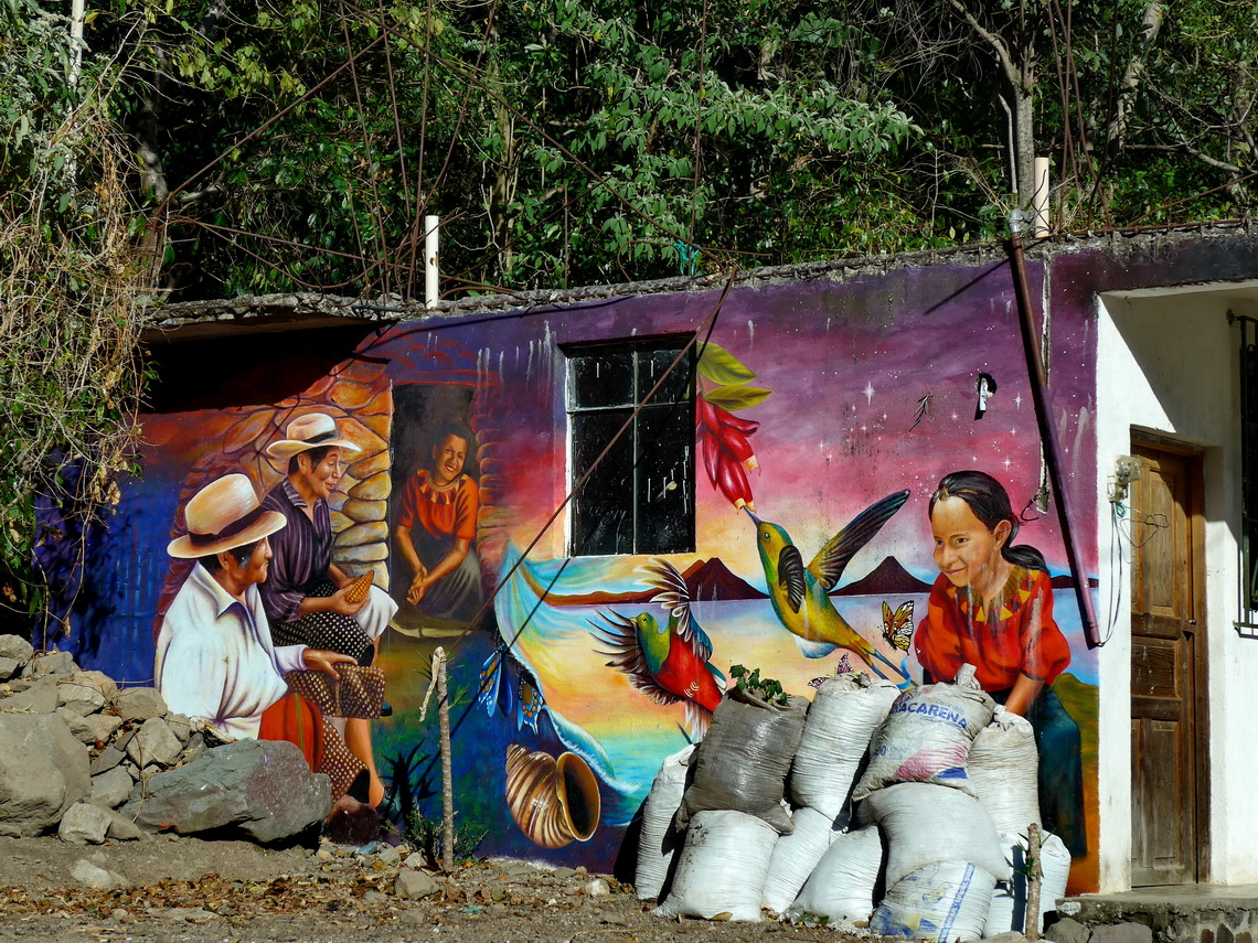 Mural in a village between Pasaj Cap and Jaibalito