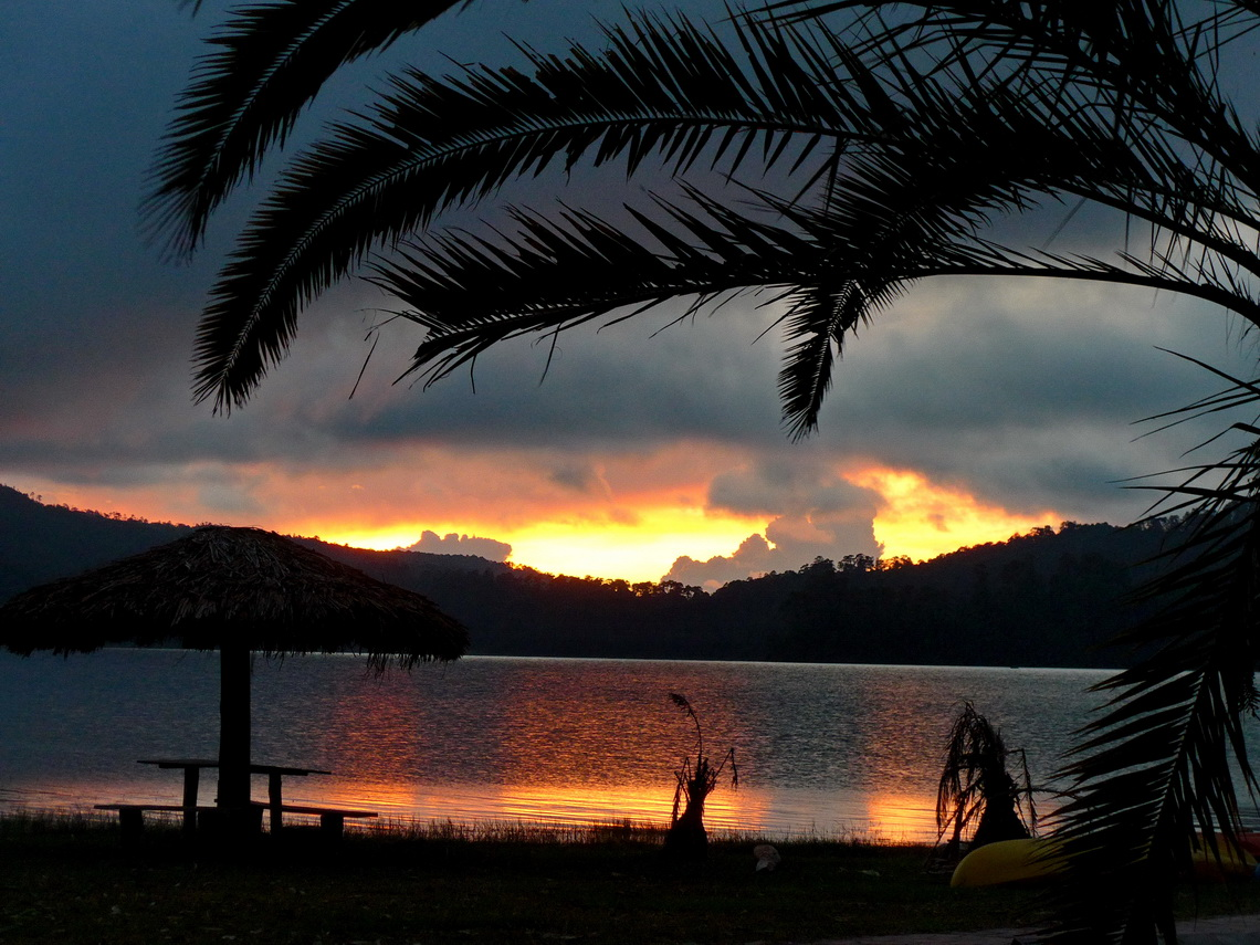 Sunset seen from our campsite on lake Lago Tziscao