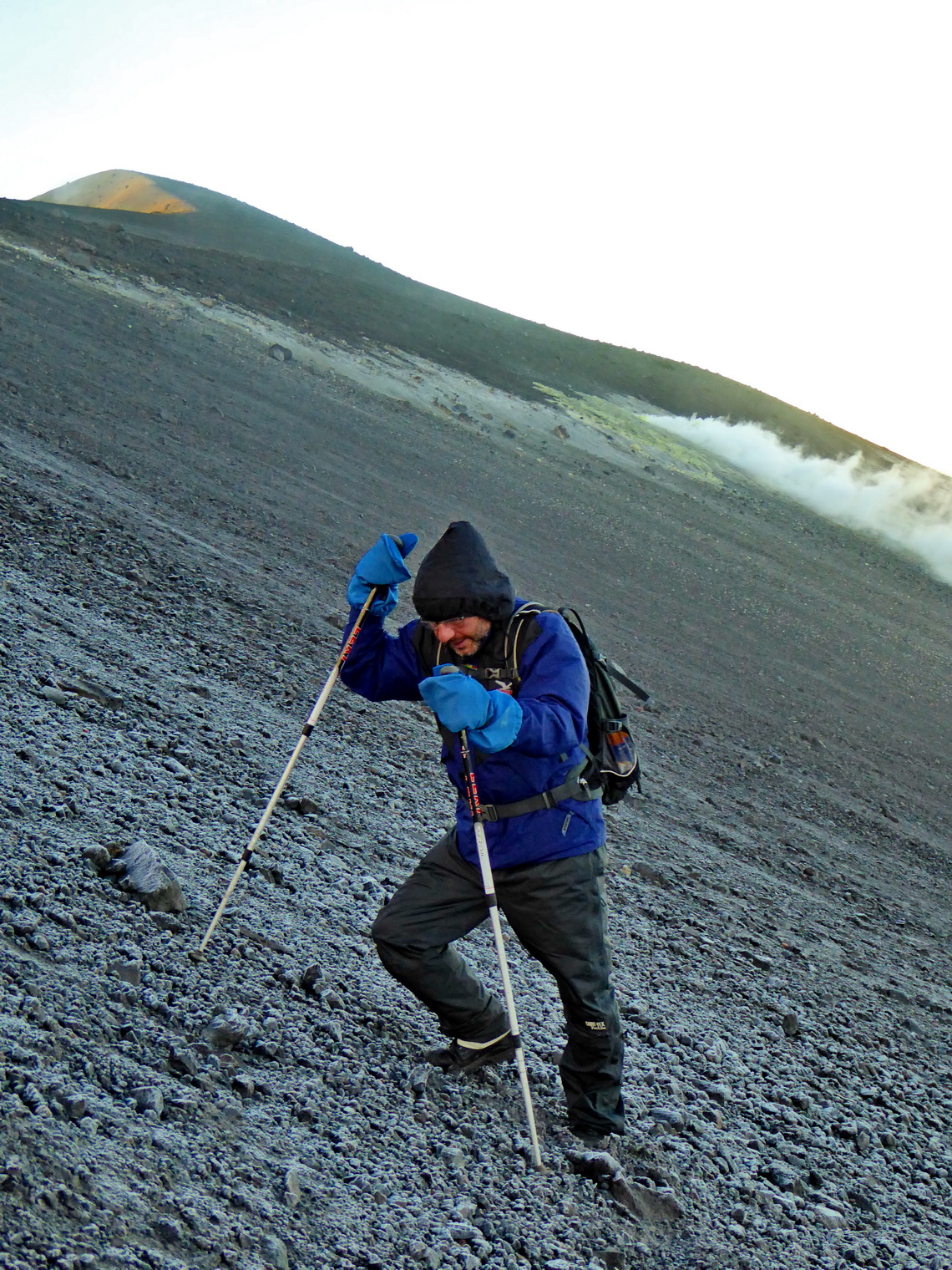 Fighting against the storm on smoking Volcan Puracé