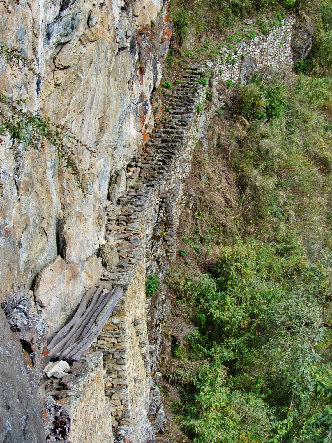 The Inca drawbridge