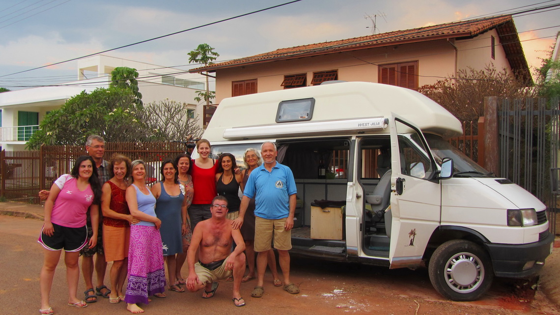 After inspection of our car: Marion (third on the left), Volker (first on the right) with some neighbors and three other German girls