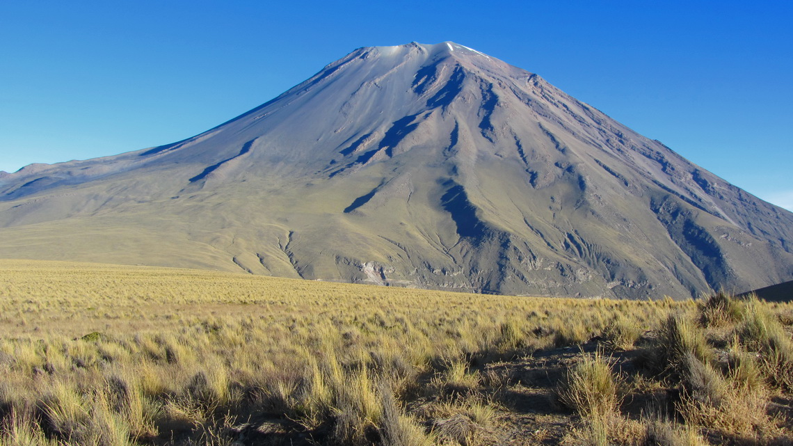 East side of Volcan El Misti - We crossed this flank completely from the left bottom side to the peak on the right