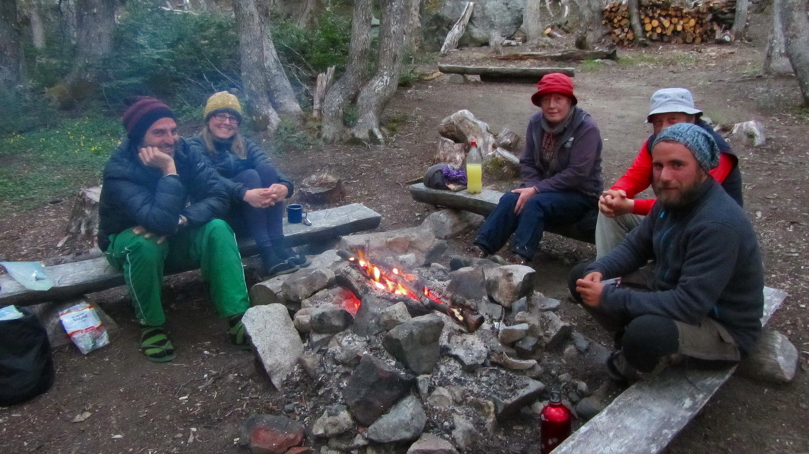 Late evening in the campsite with our friends Erik and Kerstin from Deggendorf and Christian from Swabian