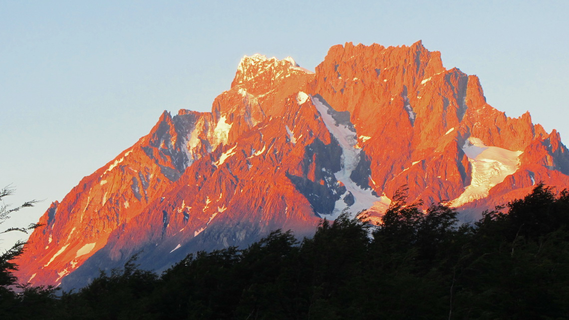 Cumbre Central and Punta Bariloche at sunset