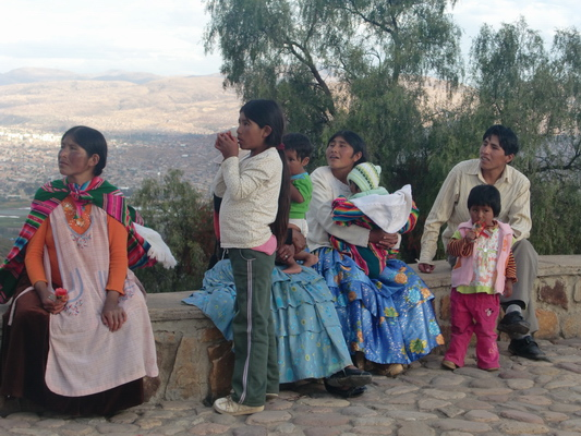 Family from Cochabamba looking to Jesus