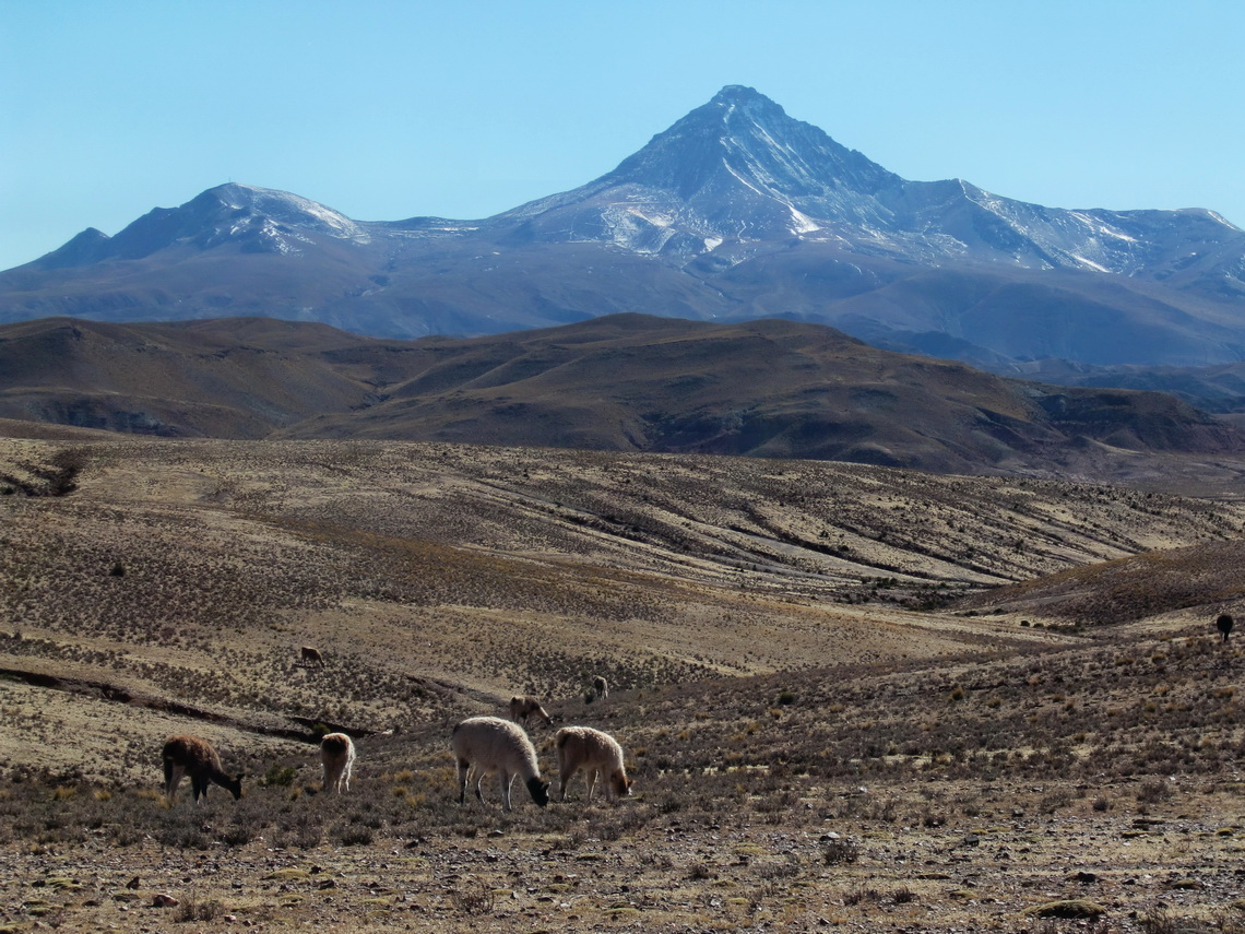 Cerro Chorolque (5603 meters high) between Tupiza and Uyuni