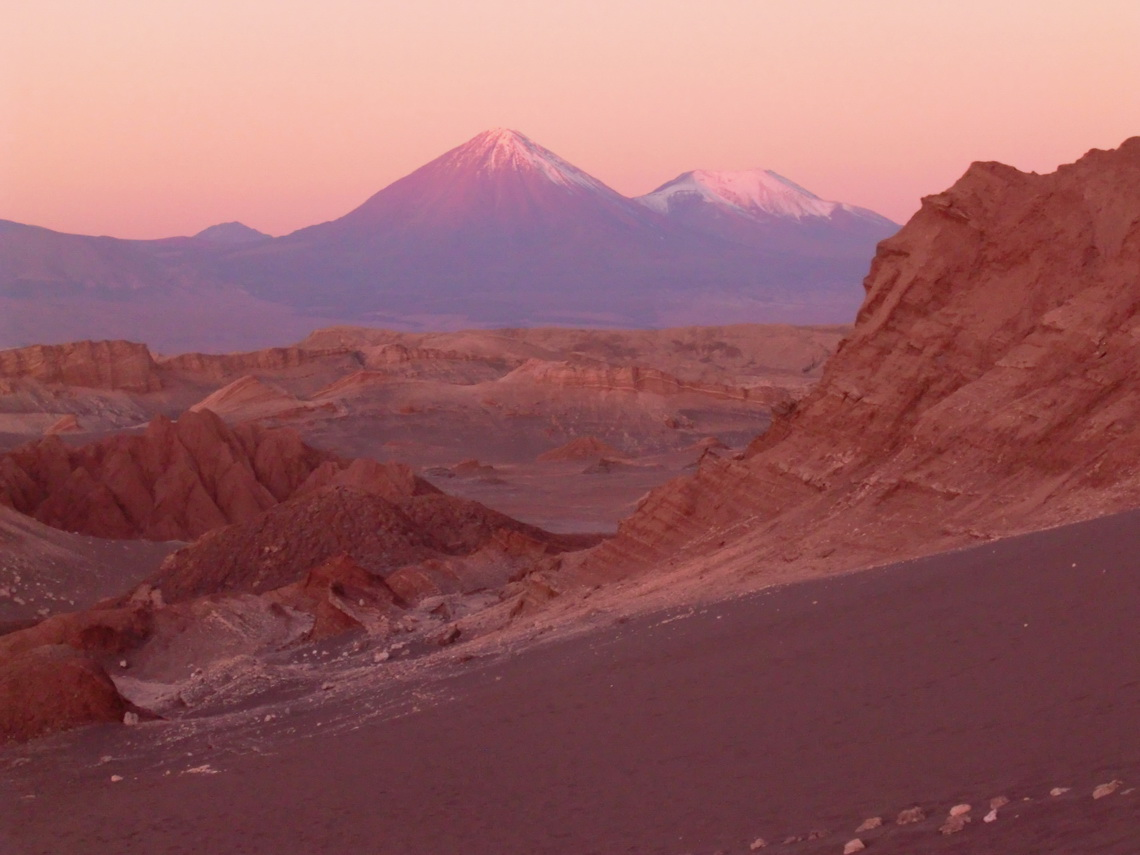 Volcano Licancabur in the last sun light