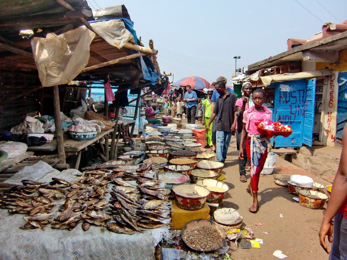 Food market in Freetown