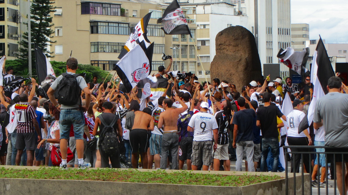Celebrating fans of Corinthians in the Avenida Paulista